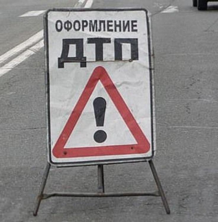 Пробка растянулась на Ленинградке из-за крупного ДТП