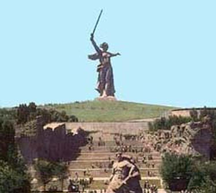 Россия вспоминает героев Сталинградской битвы