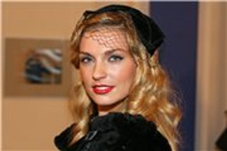 Саша Савельева удивила поклонников объемными формами (ФОТО)