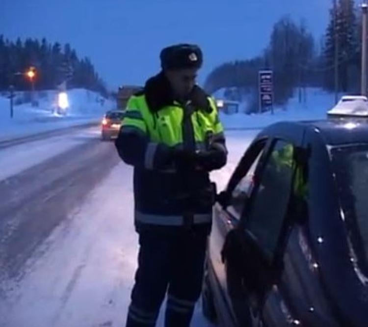В центре Москвы из машины выбросили тело убитого - свидетели