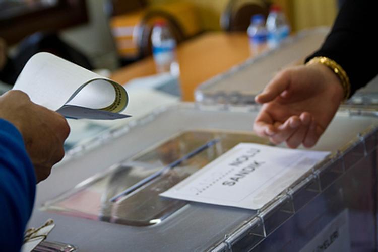 В Турции выборы стоили жизни восьми гражданам