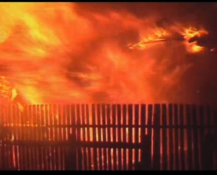 В Тверской области из-за возгорания сухой травы сгорели 10 домов