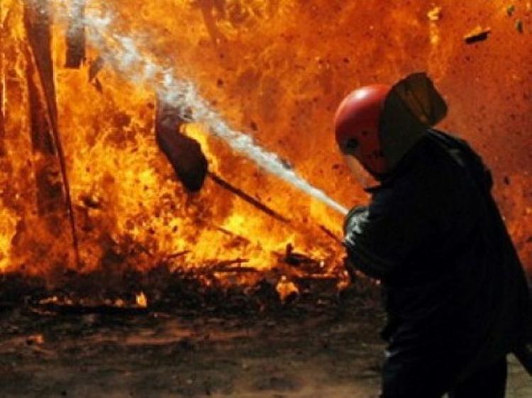 В Москве на Ходынском поле загорелся строящийся торговый центр