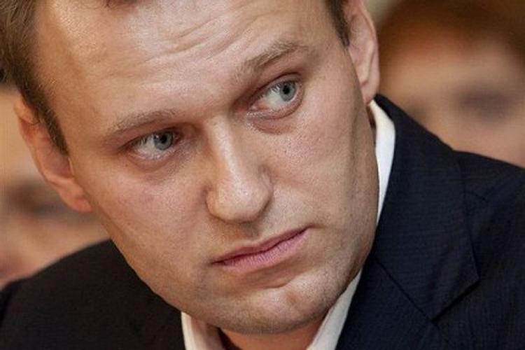 К  единомышленникам Навального следователи нагрянули с обыском