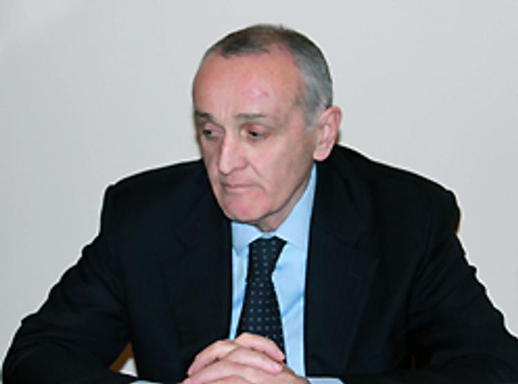 Анкваб принял решение об отставке кабинета министров Абхазии