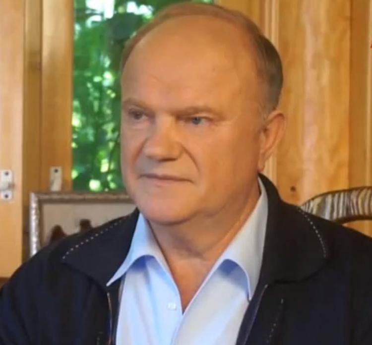 Путин поздравил Зюганова с юбилеем и подарил фигурку Чапаева