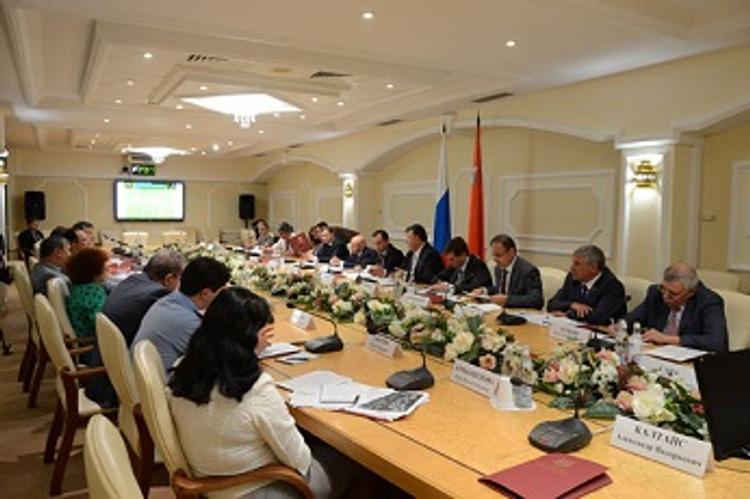 Законодатели Центра России обсудили проблему модернизации системы обращения ТБО