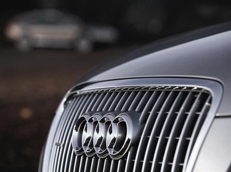 Audi отзывает 70 тысяч авто: проблемы с тормозами