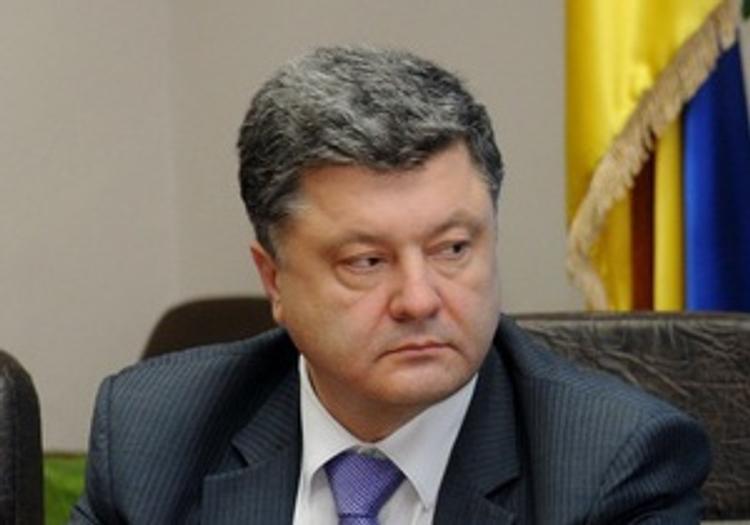 Порошенко сообщил об освобождении из плена дюжины силовиков