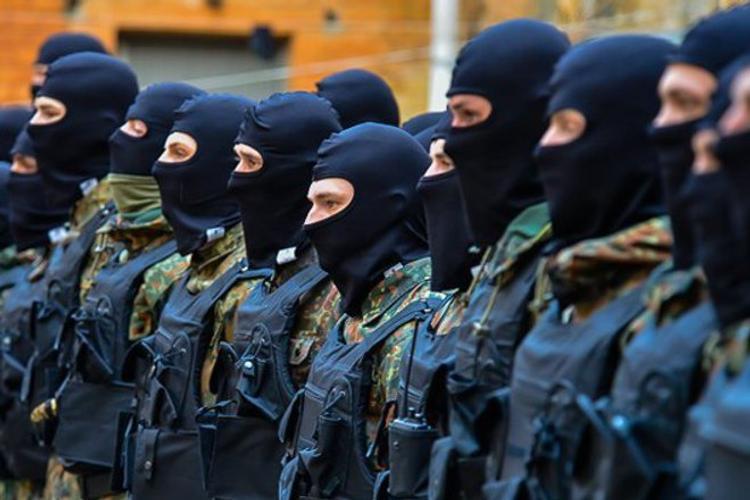 Черногорские курорты готовятся принять украинских боевиков