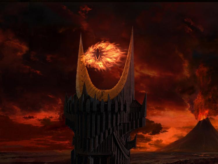 Над Москвой засияет «Око Саурона» ВИДЕО