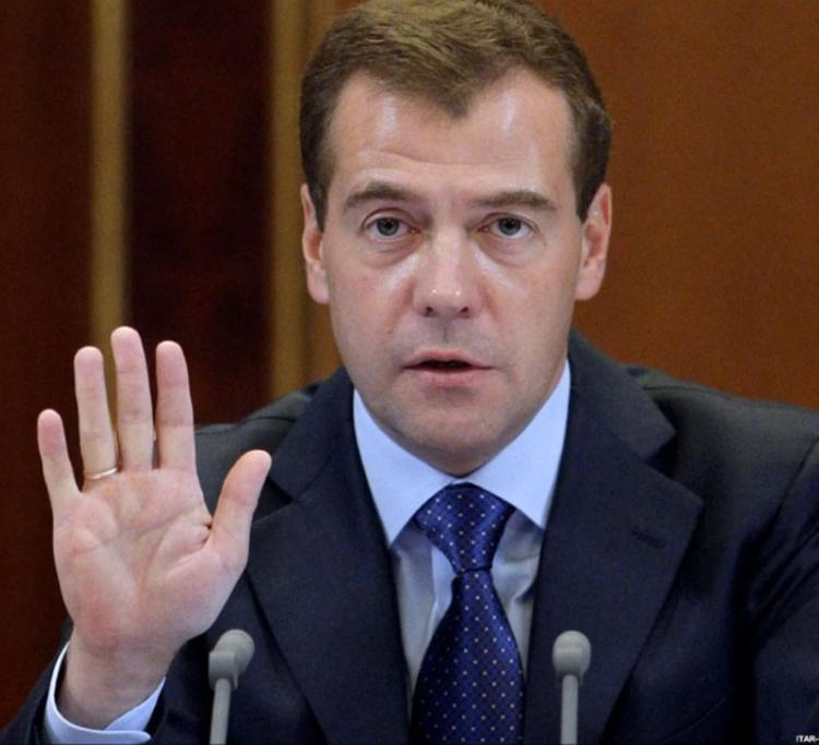 Медведев опасается «более глубокой рецессии»