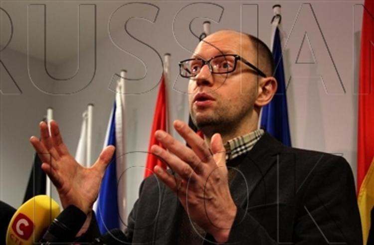 Яценюк знает цель России - расколоть Украину