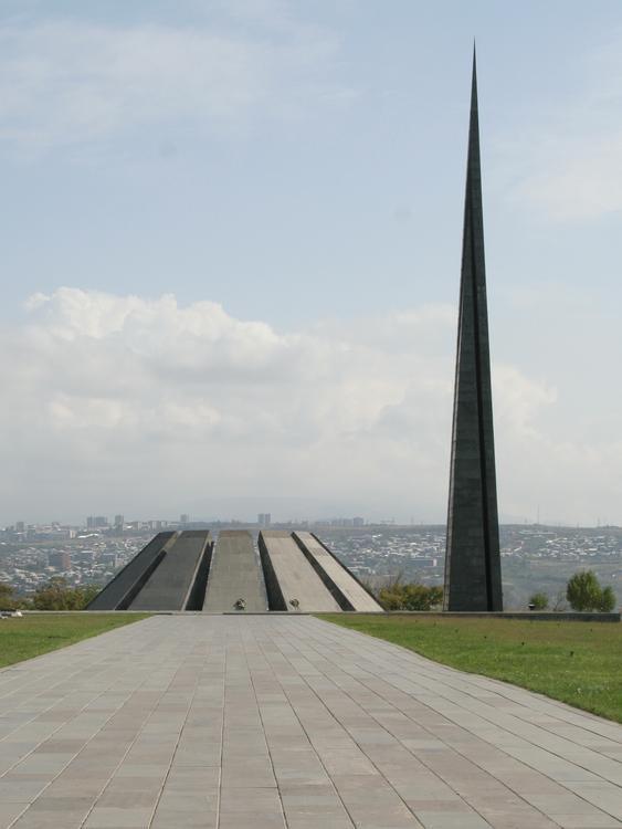 Путин посетит Ереван в день памяти геноцида армян