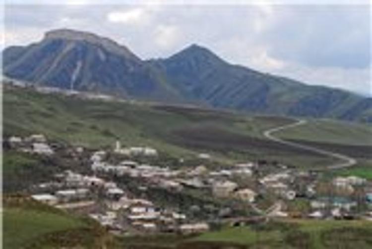 В дагестанском поселке Герей-Авлак силовики ведут бой с боевиками