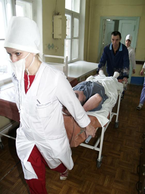 Савченко согласилась на перевод в гражданскую больницу