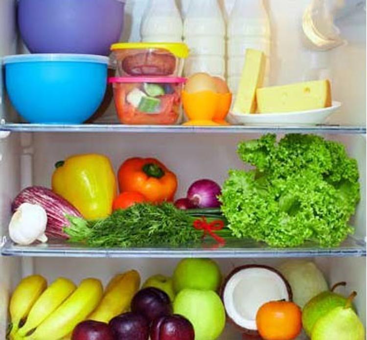 Ученые ответили на вопрос о причинах ночного опустошения холодильников