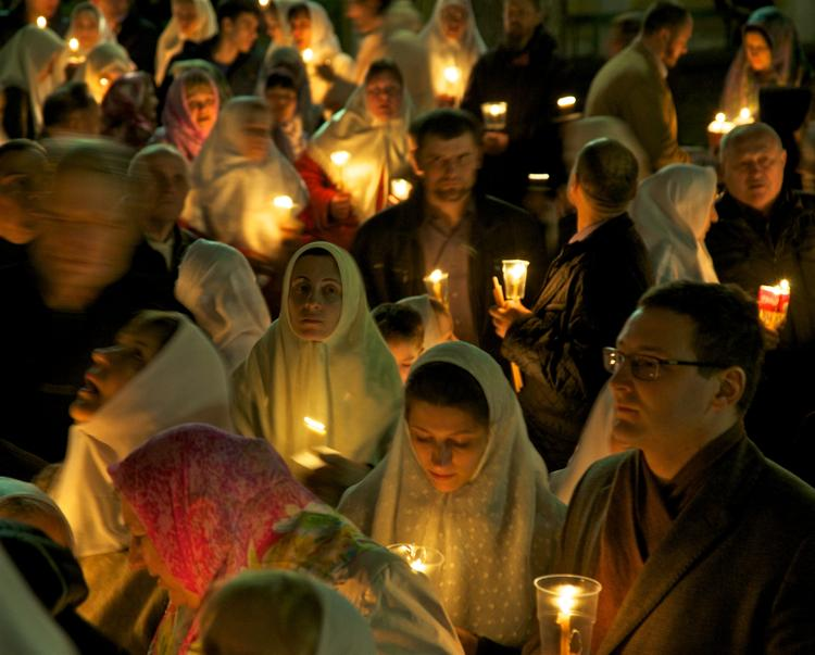 В Киеве состоялся крестный ход в честь Дня Победы