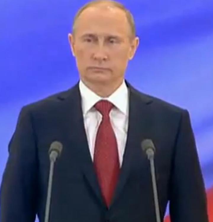 Владимир Путин объявил минуту молчания в ходе парада на Красной площади