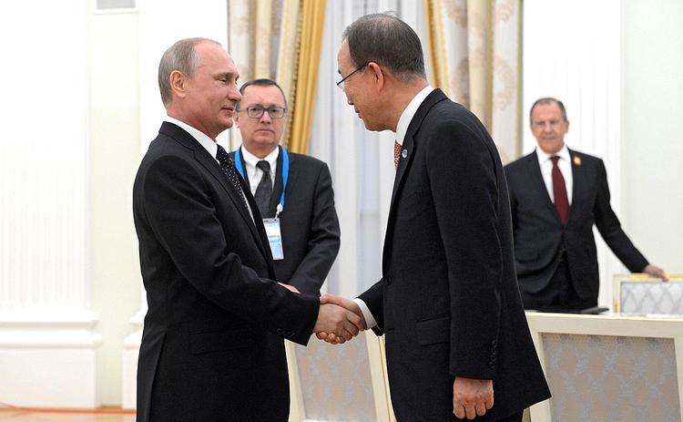 Пан Ги Мун похвалил Владимира Путина в день Победы (ВИДЕО)