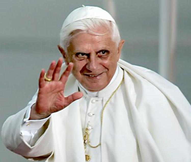 В музее США выставят портрет Папы Римского, выполненный из презервативов