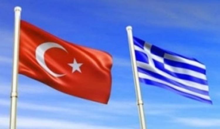 Украинские корабли ходят в Крым под турецкими и греческими флагами