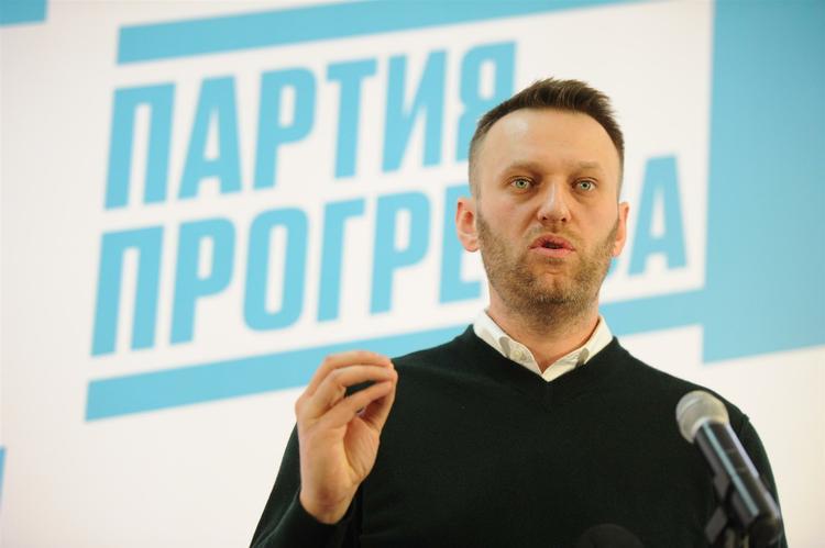 Следствие по делу о махинациях в избирательной кампании Навального продлено