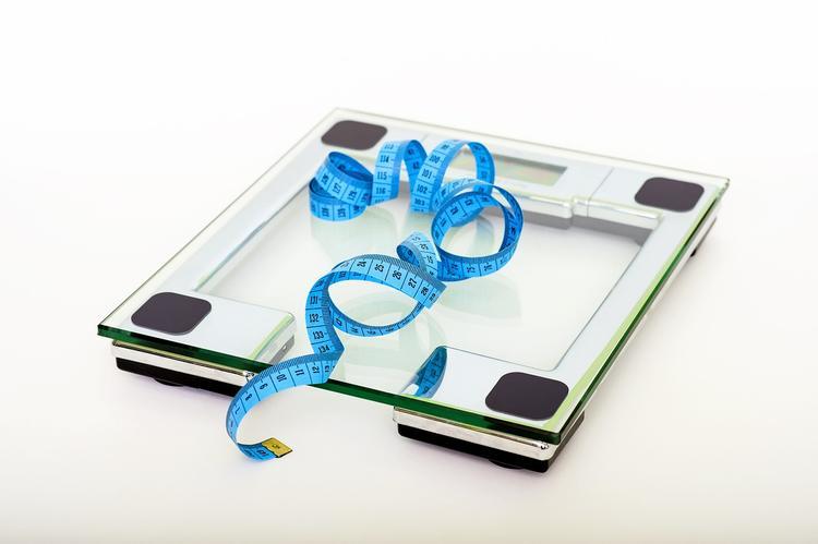 Осознание собственной полноты ведет к дальнейшему набору веса, говорят диетологи