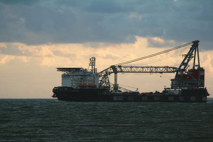 У берегов Малайзии похищен нефтяной танкер