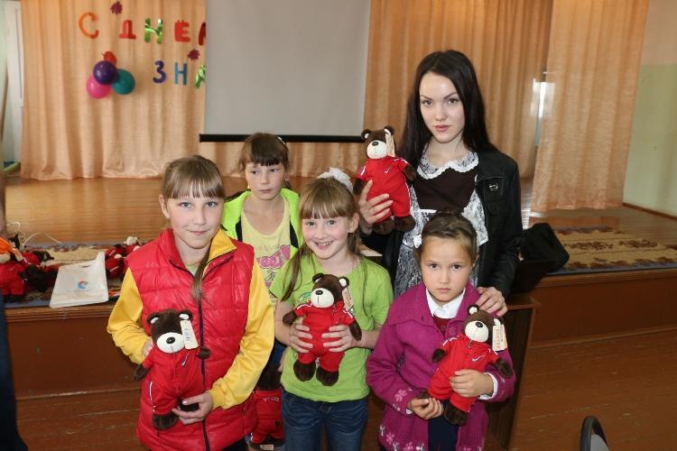 «РОСТЕЛЕКОМ» поздравил с днём знаний воспитанников алнашского детского дома