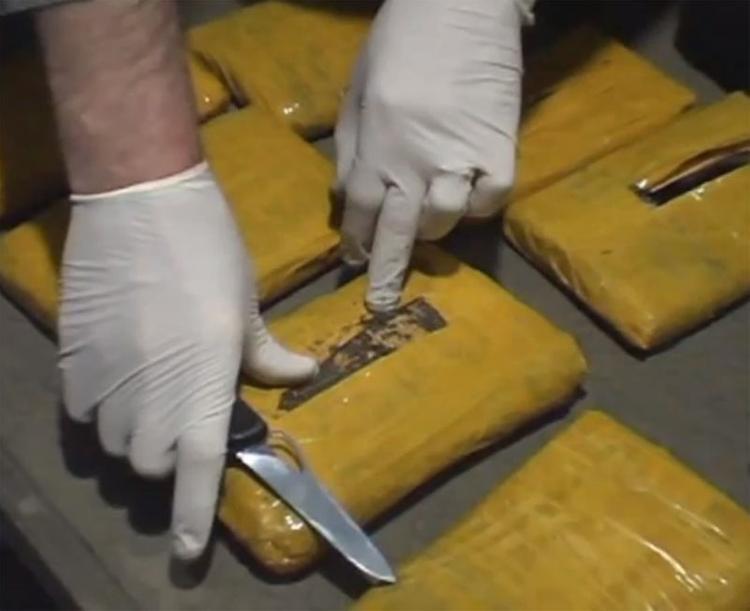 У водителя, въехавшего в остановку в Петербурге, нашли наркотики