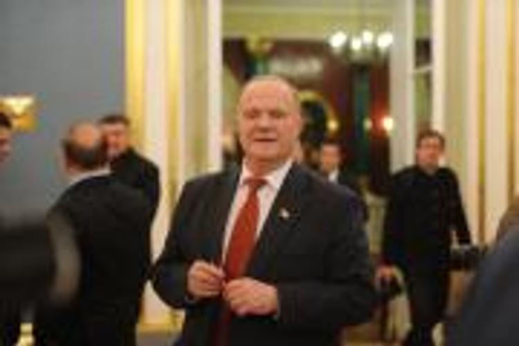 Референдум о национализации собственности олигархов предложил провести Зюганов