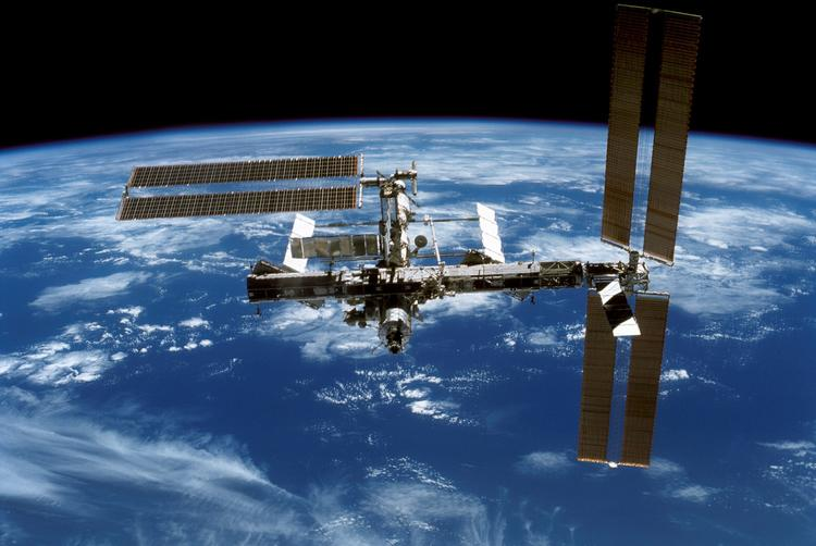 Экипажу МКС повезло: космонавты встретят Новый год 15 раз