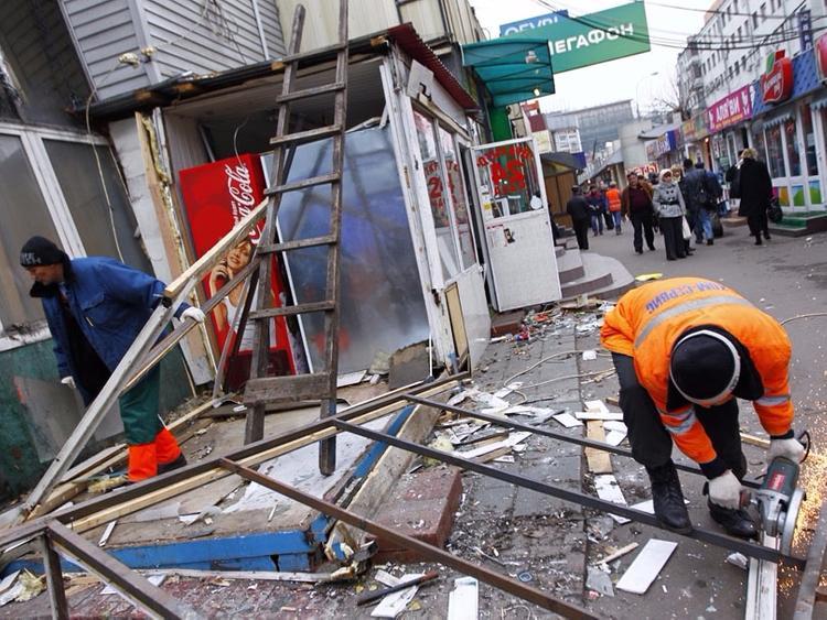 Власти Москвы намерены судиться с владельцами снесенных павильонов