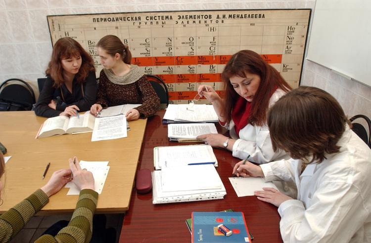 В 2015 году в РФ закрыли более 600 вузов