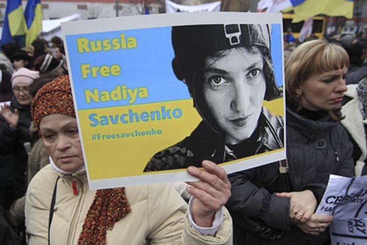 Посольство России в Киеве закидали коктейлями Молотова
