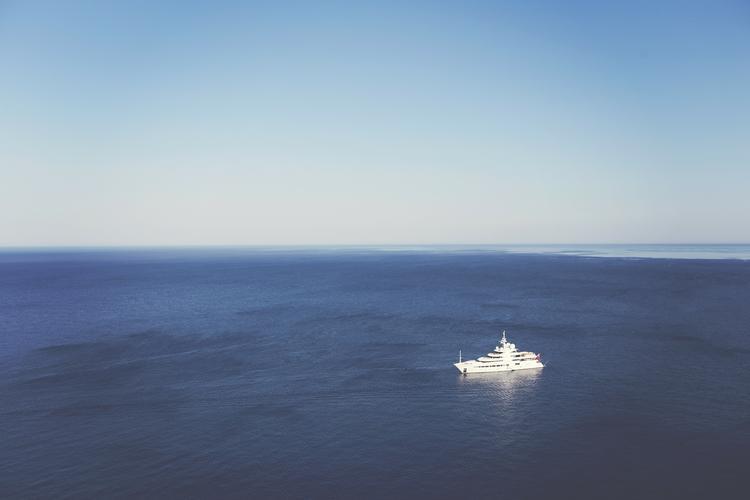 Российская яхта задержана береговой охраной КНДР