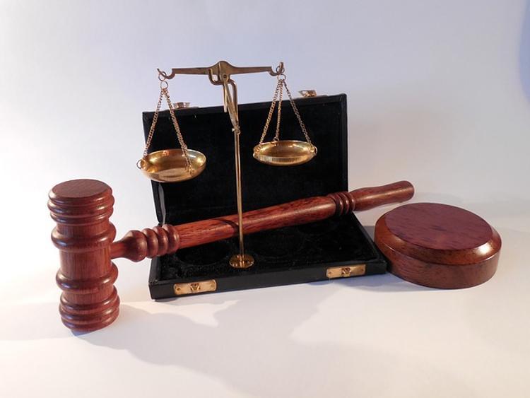 В Кузбассе будут судить мужчину, 70 раз ударившего ремнем годовалую падчерицу