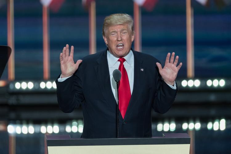 Трампа высмеяли и назвали диктатором