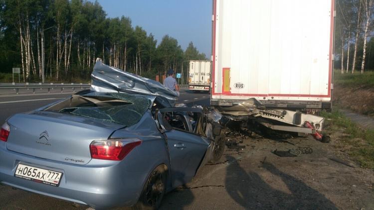 Водитель Citroen погиб в ДТП с грузовиком Scania на трассе М-7
