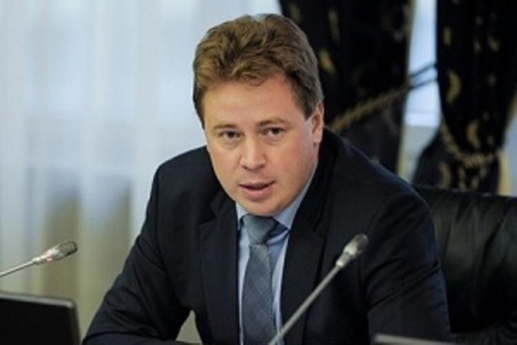 Севастопольского губернатора не узнали и не пускали на просмотр парада ВМФ