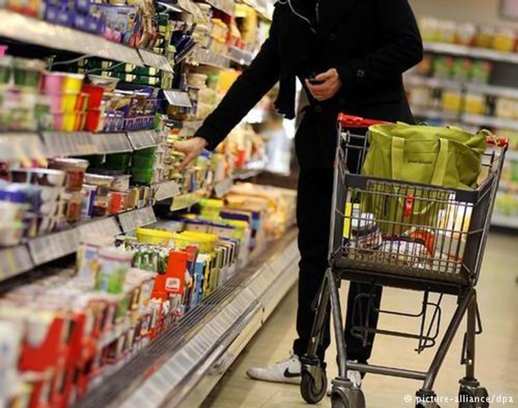 Жители Германии запасаются едой на случай войны