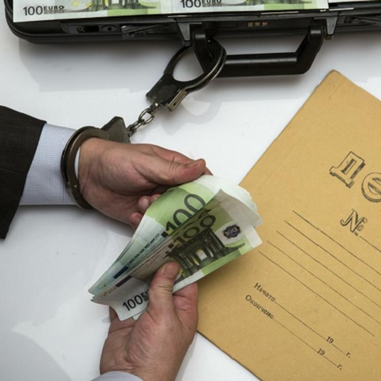 Начальник камчатского антикоррупционного отдела задержан за взятку
