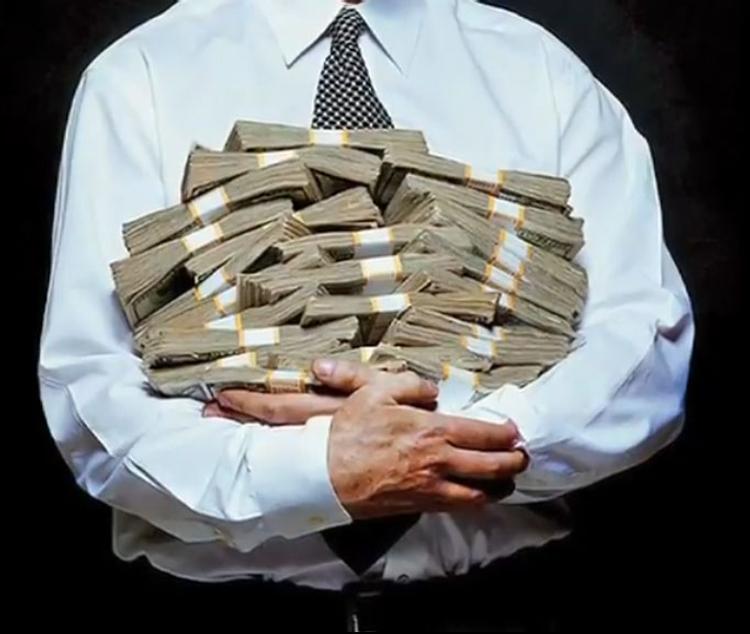 Захарченко объяснил, откуда взялись найденные у него миллиарды
