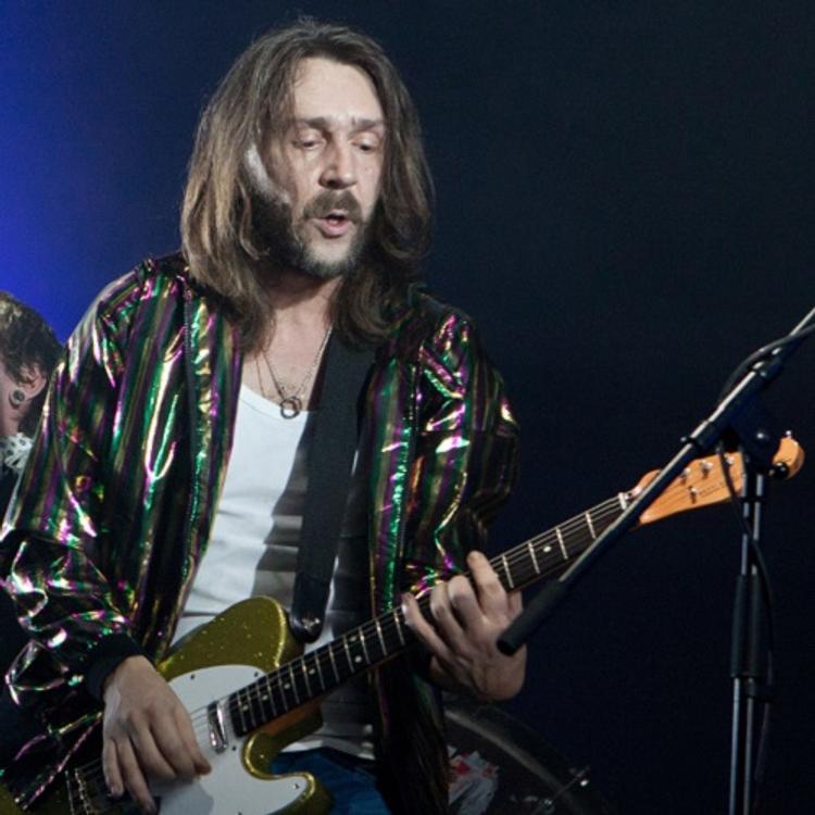 Шнуров подарил пермяку на день рождения гитару