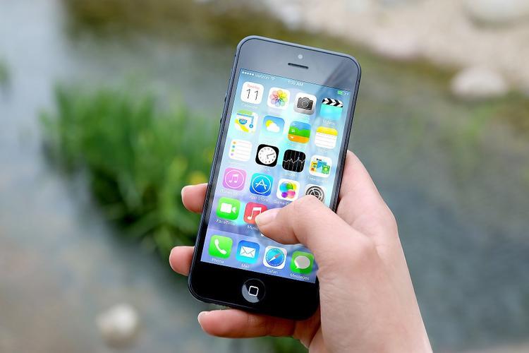Apple грозит второй иск антимонопольной службы