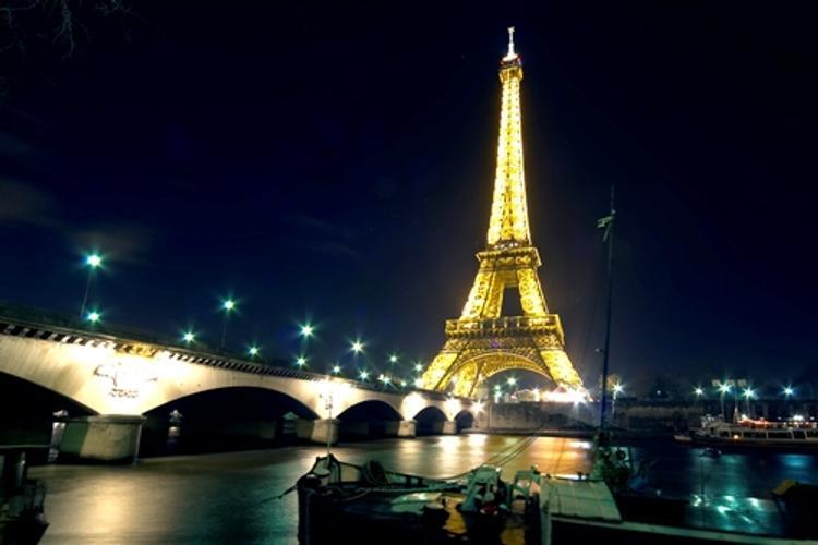 Увидеть Париж и обеднеть: туристов обокрали на полмиллиона евро
