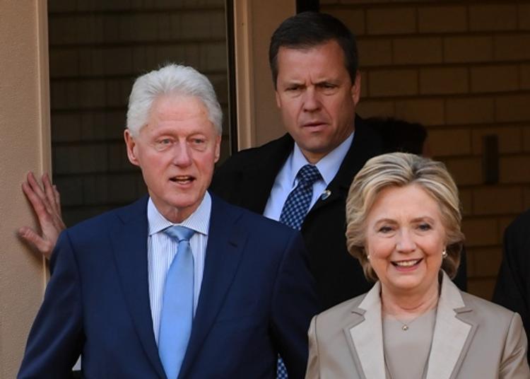 Семье Клинтонов пришёл конец?