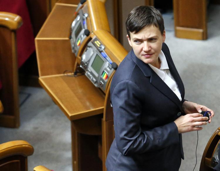 Надежда Савченко попала в аварию в Одесской области