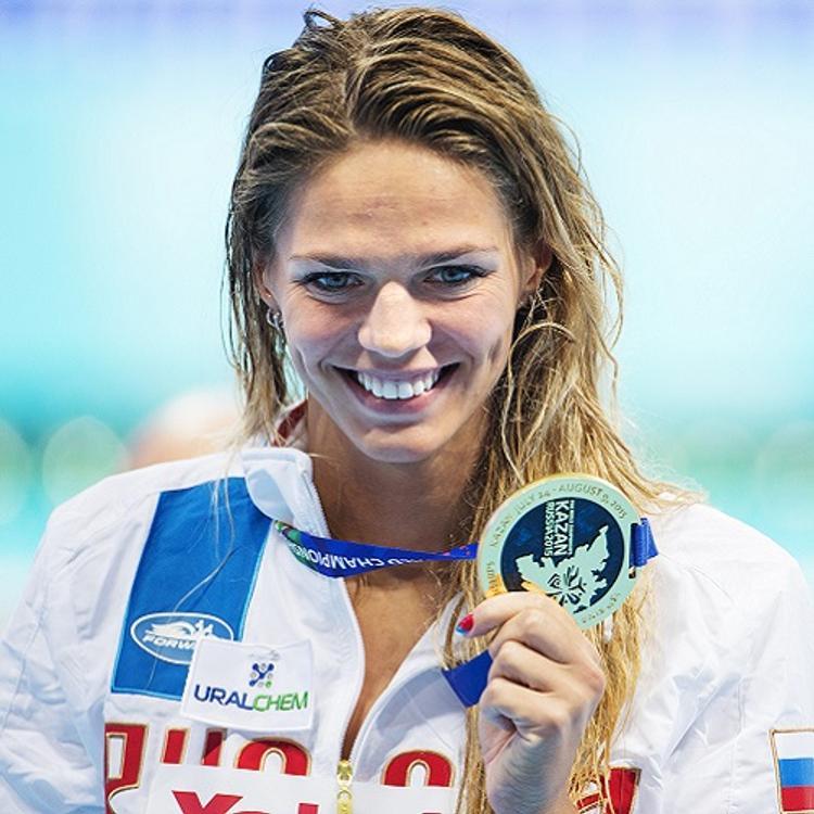 Пловчиха Ефимова пожаловалась, что американским тренерам запрещено с ней работать